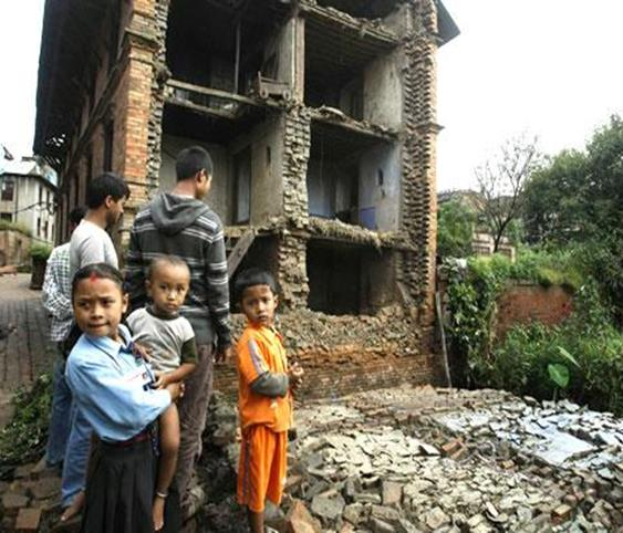 Global Celebrations : Seven Million People Used Facebook's Check-In Feature after Nepal Earthquake
